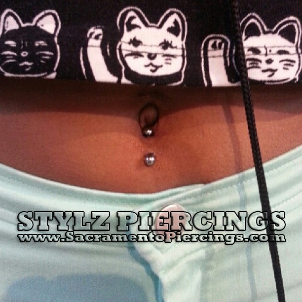 Belly piercing parlors sacramento for Atomic tattoo piercing prices